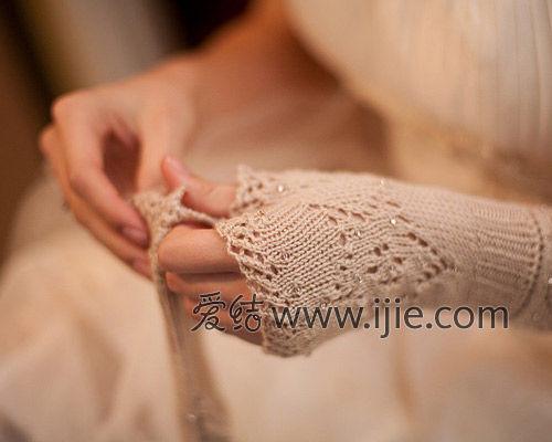 婚纱手套讲究配饰技巧